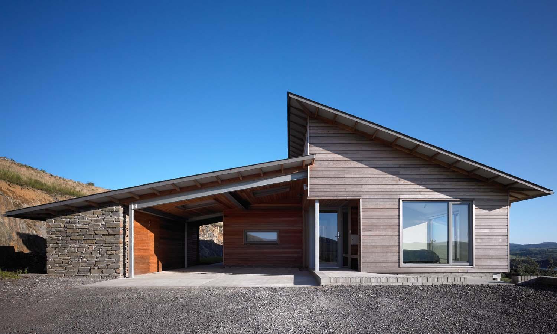 Award winning architects simon winstanley architects for Award winning architects